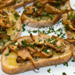 Bruschetta With Chanterelles and Brie