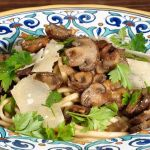 Stringozzi (or linguini) con funghi – Simple pasta with mushrooms – Recipe