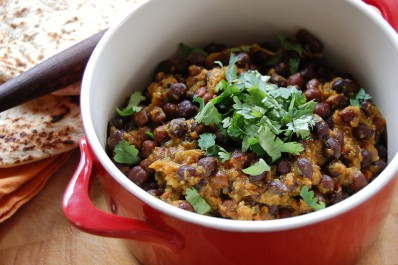Kala Chana (Curried Black Chickpeas)