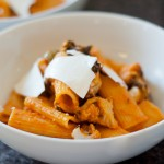 Rigatoni with Roasted Cauliflower and Spicy Tomato Sauce – Recipe