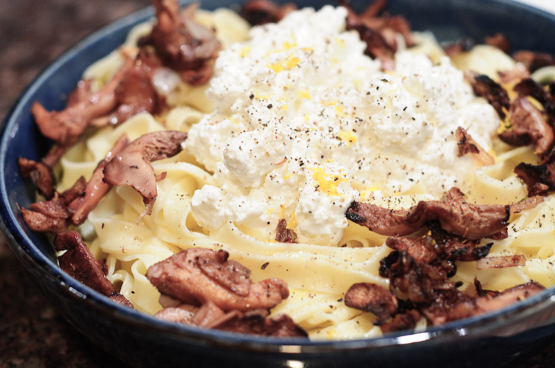 Fettucini_With_Hedgehog_Mushrooms_And_Ricotta