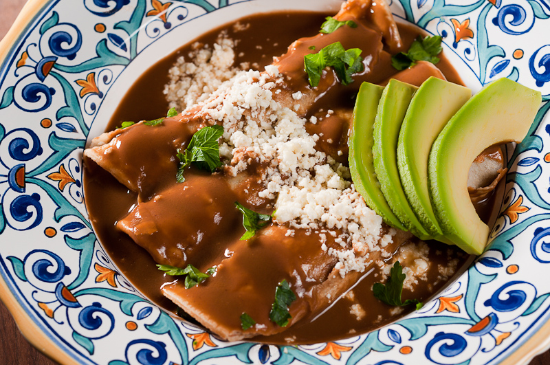 Enfrijoladas de Espinaca - Tortillas with Spinach in Black Bean Sauce