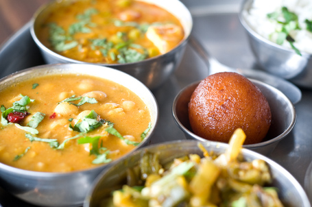 Thali with Bhindi, Chana, Mattar Paneer and a Gulab Jamun