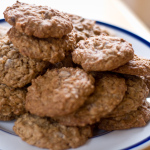 Recipe: Chewy Oatmeal-Chocolate Chip Cookies