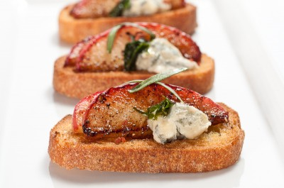 Caramelized Apple and Blue Cheese Crostini