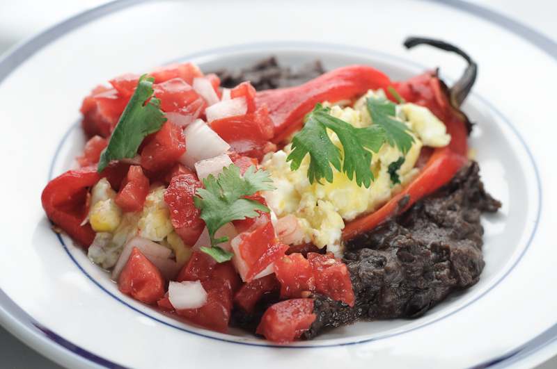 Hatch_Chilis_Stuffed_With_Migas