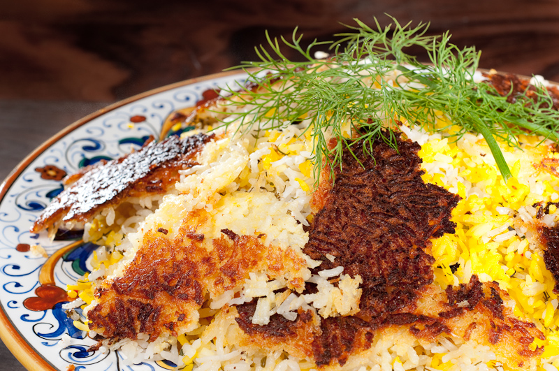 Persian rice pilaf with a crispy crust - chelo with tahdig