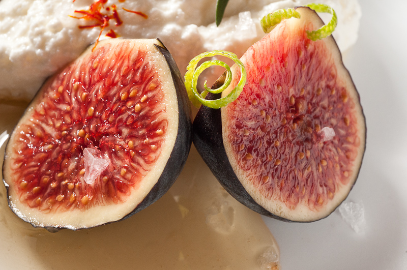 Figs with ricotta, honey and several little garnishes